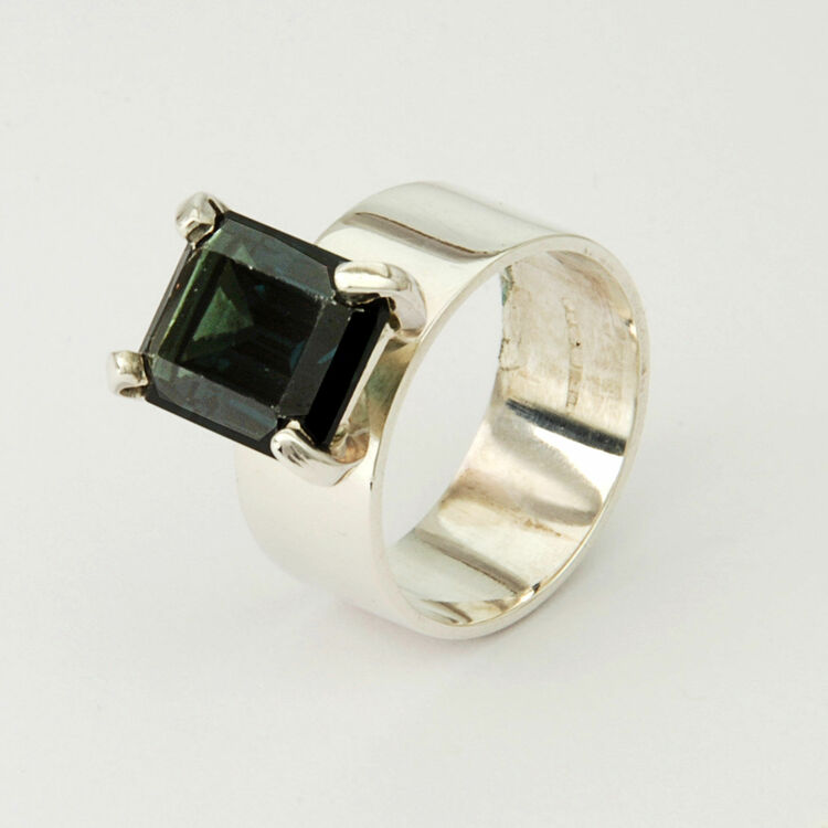 large gemstone silver ring from 163 186 00