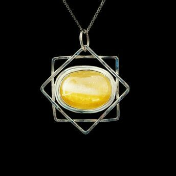 Silver 8 pointed star with Yellow Calcite