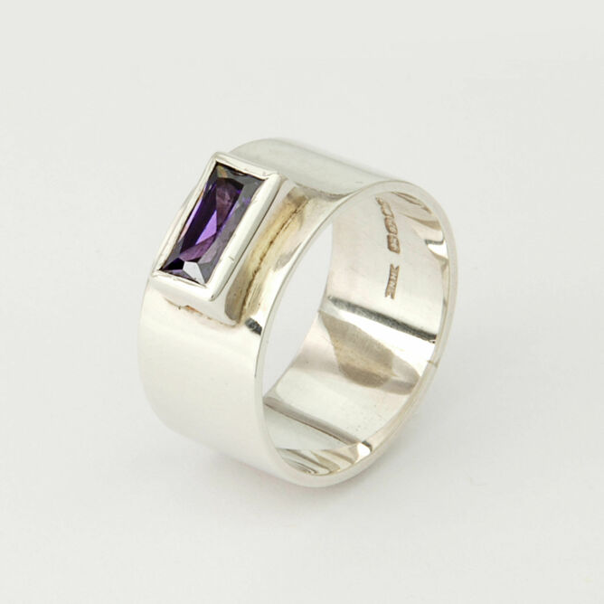 Silver ring with Rectangular Stone